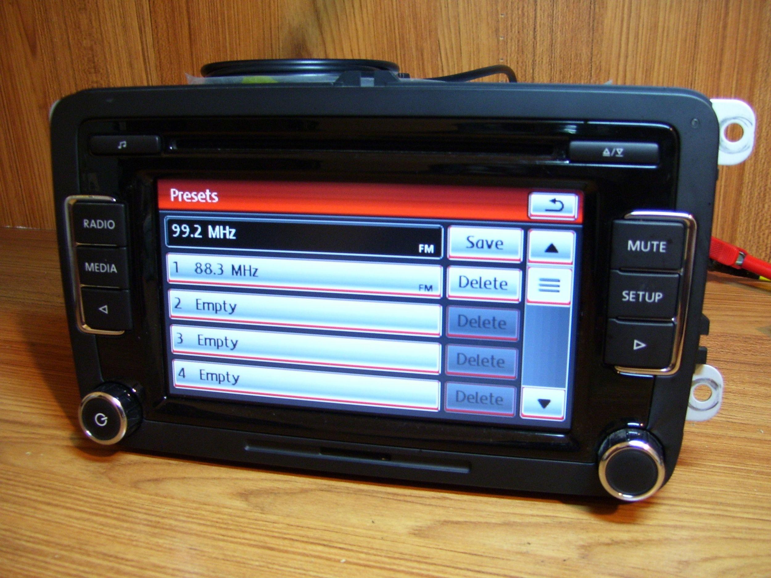 Polovni VW Golf 6 passat b7 Fabricki cd mp3 RCD 510 - MojAuto - 2088051