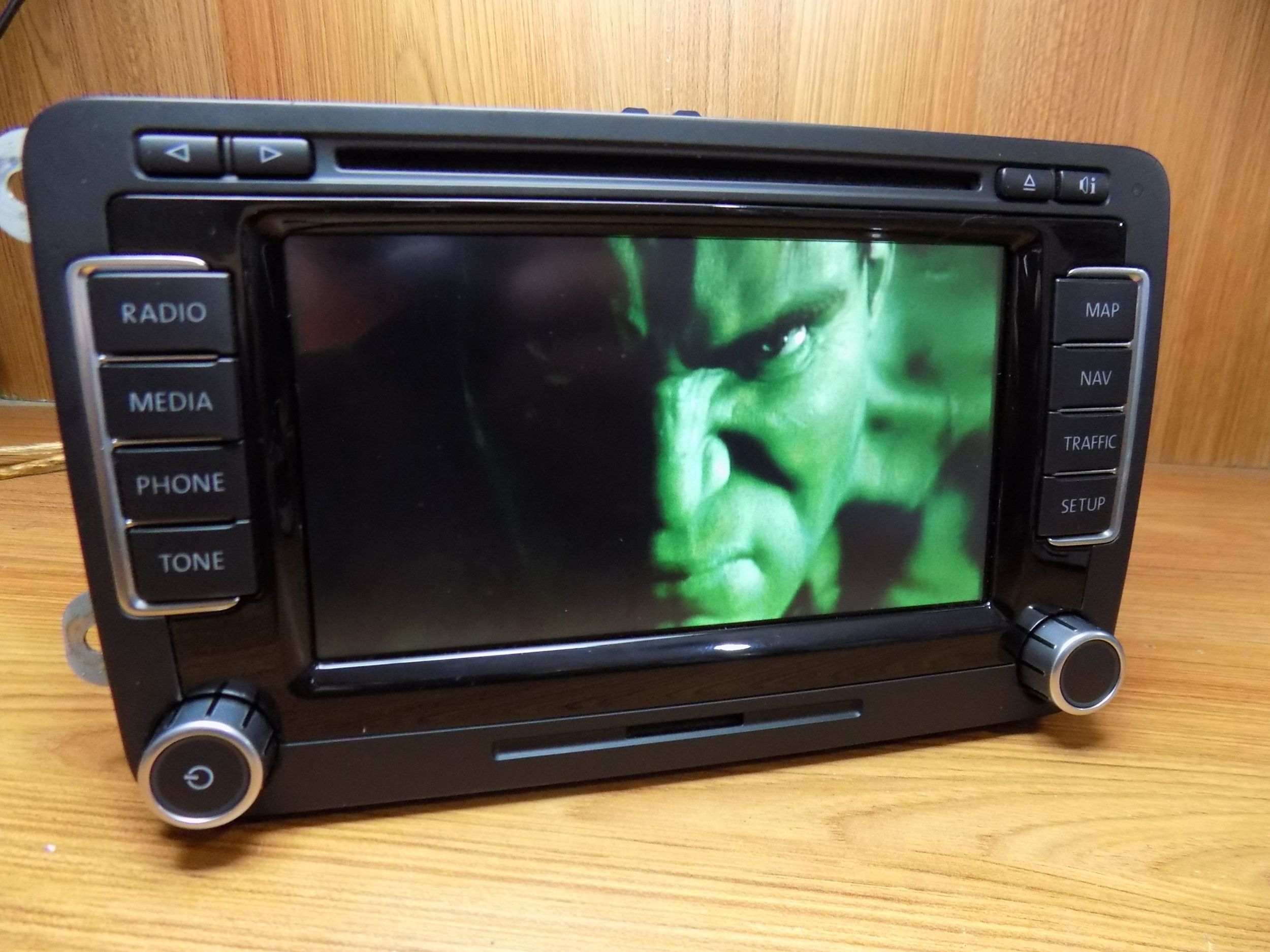 polovni vw rns 510 fabricka navigacija dvd mp3 cd sd golf. Black Bedroom Furniture Sets. Home Design Ideas